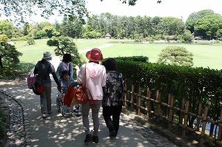 園内は広く、傾斜や段差もいっぱい超えました。