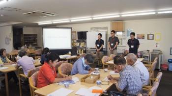 自己紹介(左から)デイ管理者 橋本さん 理学療法士 田邊さん、作業療法士 熊野さん